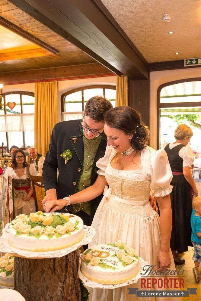 Anschneiden der Hochzeitstorte, Radstadt, Wedding Photographer, Hochzeit,Hochzeitsfotograf, Land Salzburg, Lorenz Masser
