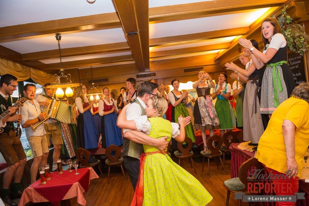 Bräutigam tanzt, Radstadt, Wedding Photographer, Hochzeit,Hochzeitsfotograf, Land Salzburg, Lorenz Masser