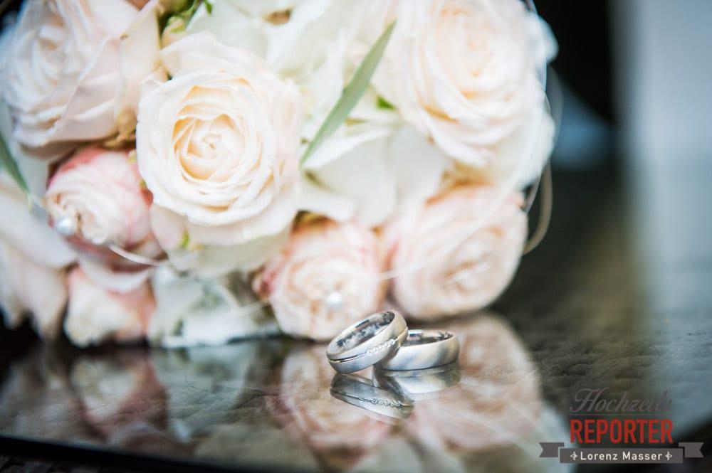 Brautstrauß und eheringe im detail,  Mondsee, Schloss,  Wedding Photographer, Hochzeit,Hochzeitsfotograf, Land Salzburg, Lorenz Masser