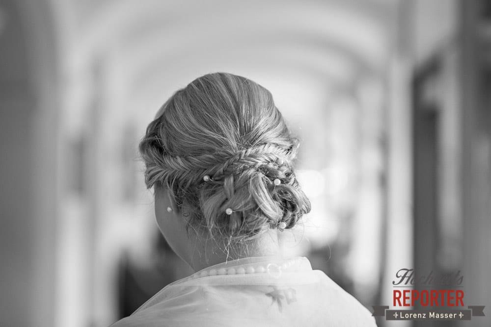 Frisur von der Braut, Fischgrätenfrisur zur Hochzeit,  Mondsee, Schloss,  Wedding Photographer, Hochzeit,Hochzeitsfotograf, Land Salzburg, Lorenz Masser