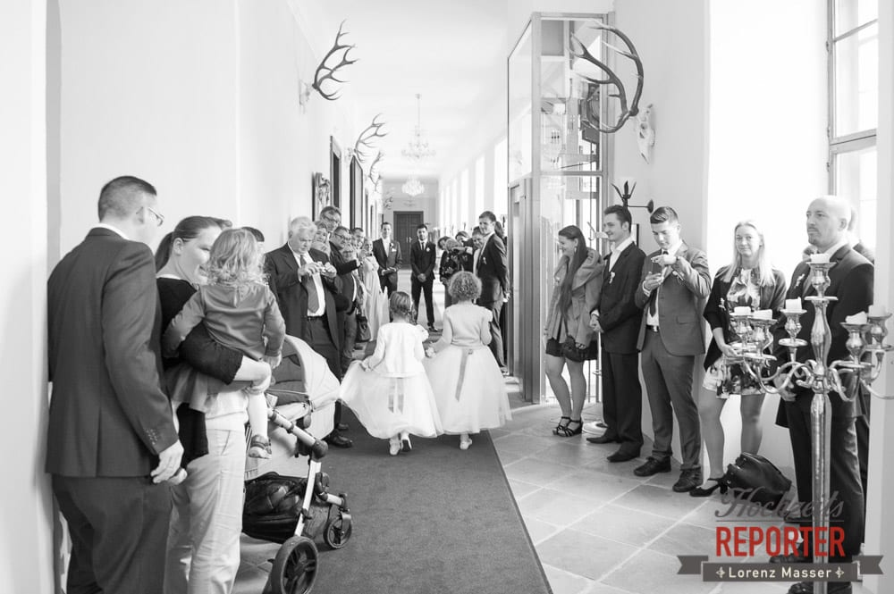 Blumenmädchen,  Mondsee, Schloss,  Wedding Photographer, Hochzeit,Hochzeitsfotograf, Land Salzburg, Lorenz Masser
