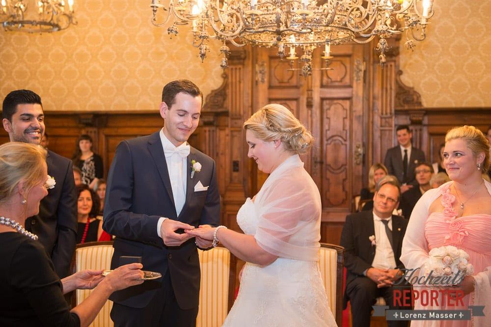 Trauung, Ringtausch,  Mondsee, Schloss,  Wedding Photographer, Hochzeit,Hochzeitsfotograf, Land Salzburg, Lorenz Masser