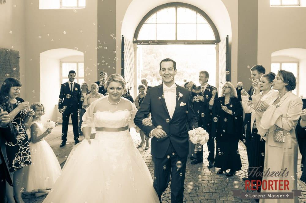 Brautpaar, Seifenblasen,  Mondsee, Schloss,  Wedding Photographer, Hochzeit,Hochzeitsfotograf, Land Salzburg, Lorenz Masser