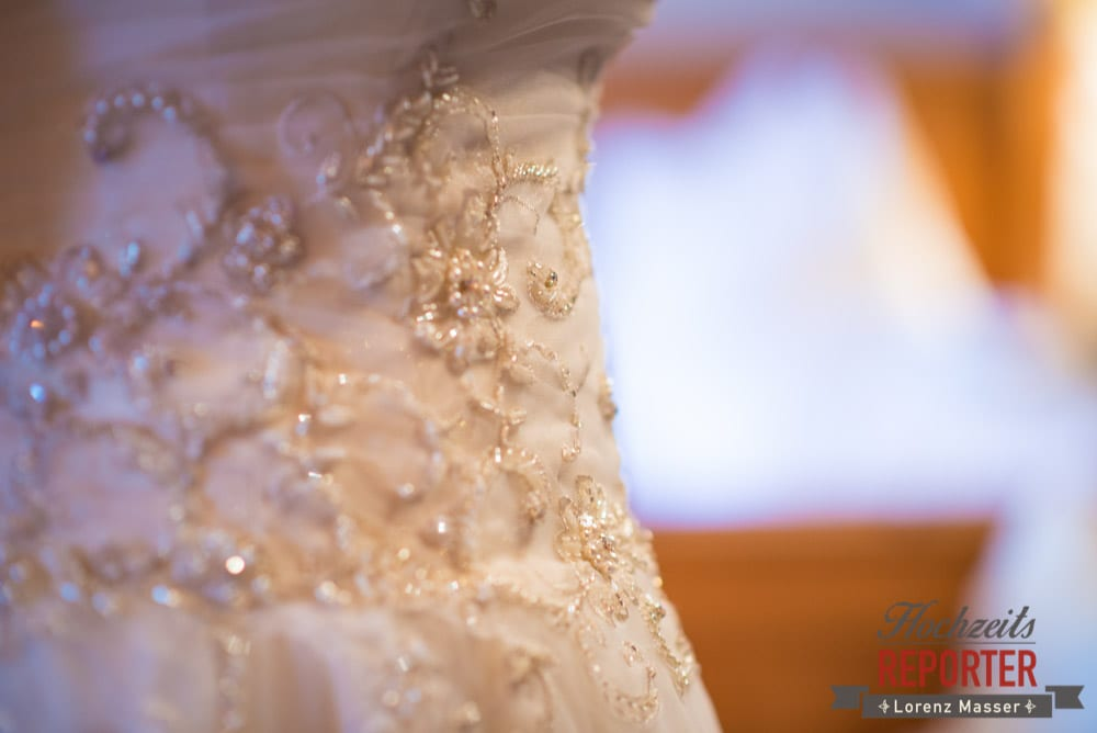 Brautkleid detailliert Fotografiert, Schloss Prielau, Zell am See,  Wedding Photographer, Hochzeit,Hochzeitsfotograf, Land Salzburg, Lorenz Masser