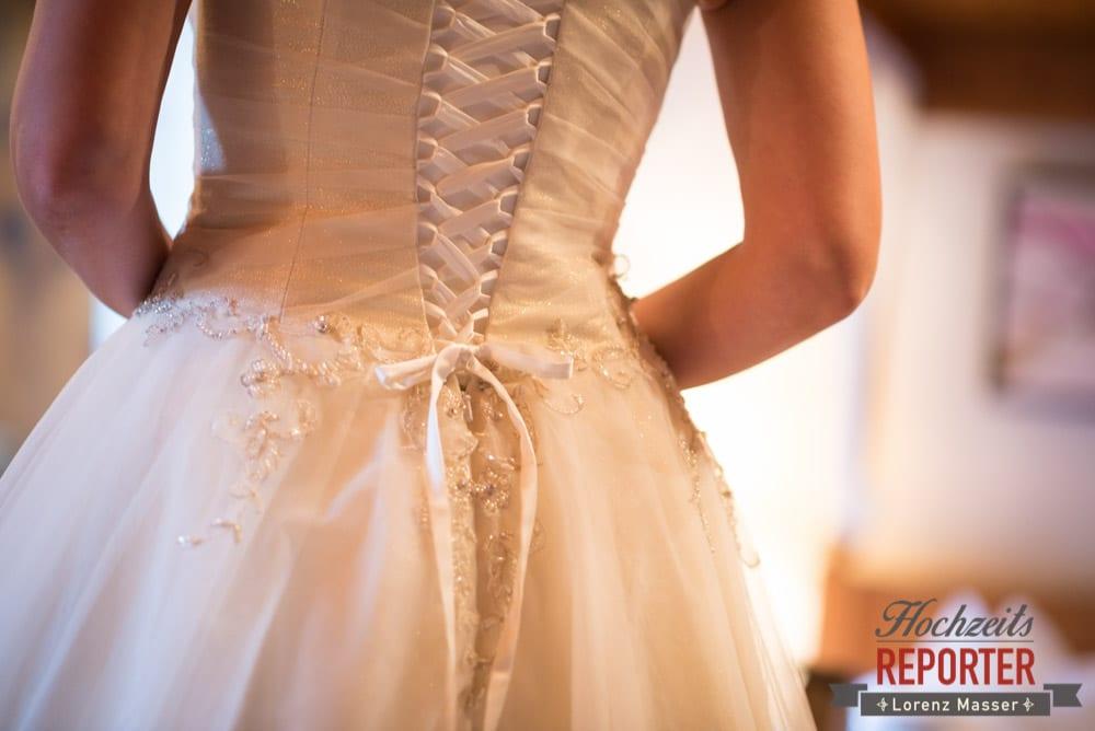 Brautkleid hinten Geschnürt, Schloss Prielau, Zell am See,  Wedding Photographer, Hochzeit,Hochzeitsfotograf, Land Salzburg, Lorenz Masser