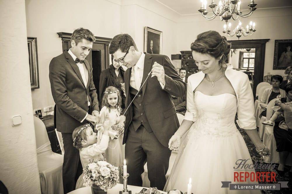 Brautpaar mit Kindern, Schloss Prielau, Zell am See,  Wedding Photographer, Hochzeit,Hochzeitsfotograf, Land Salzburg, Lorenz Masser