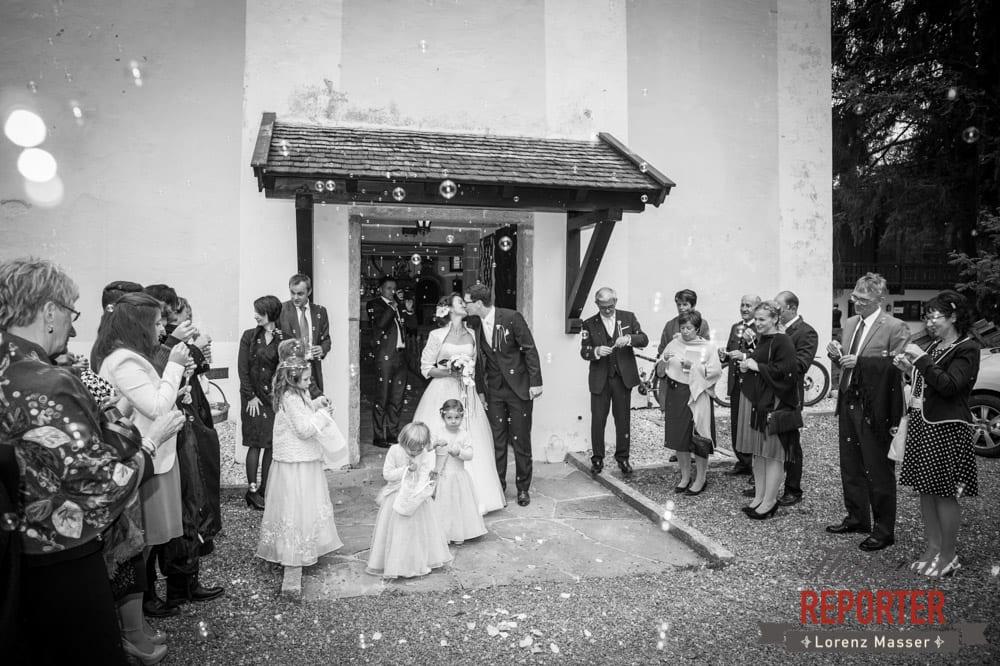 Schloss Prielau, Zell am See,  Brautpaar küsst sich, Wedding Photographer, Hochzeit,Hochzeitsfotograf, Land Salzburg, Lorenz Masser