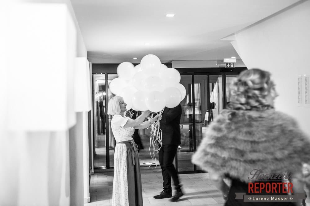 Luftballons,Schloss Prielau, Zell am See,  Wedding Photographer, Hochzeit,Hochzeitsfotograf, Land Salzburg, Lorenz Masser