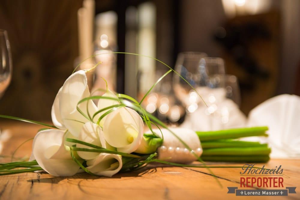 Brautstrauß auf einem Tisch, Detailfoto