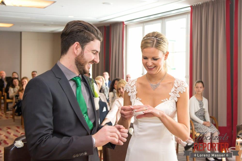 Brautpaar, Ringwechsel, Seekarhaus, Obertauern, Wedding Photographer, Hochzeit,Hochzeitsfotograf, Land Salzburg, Lorenz Masser