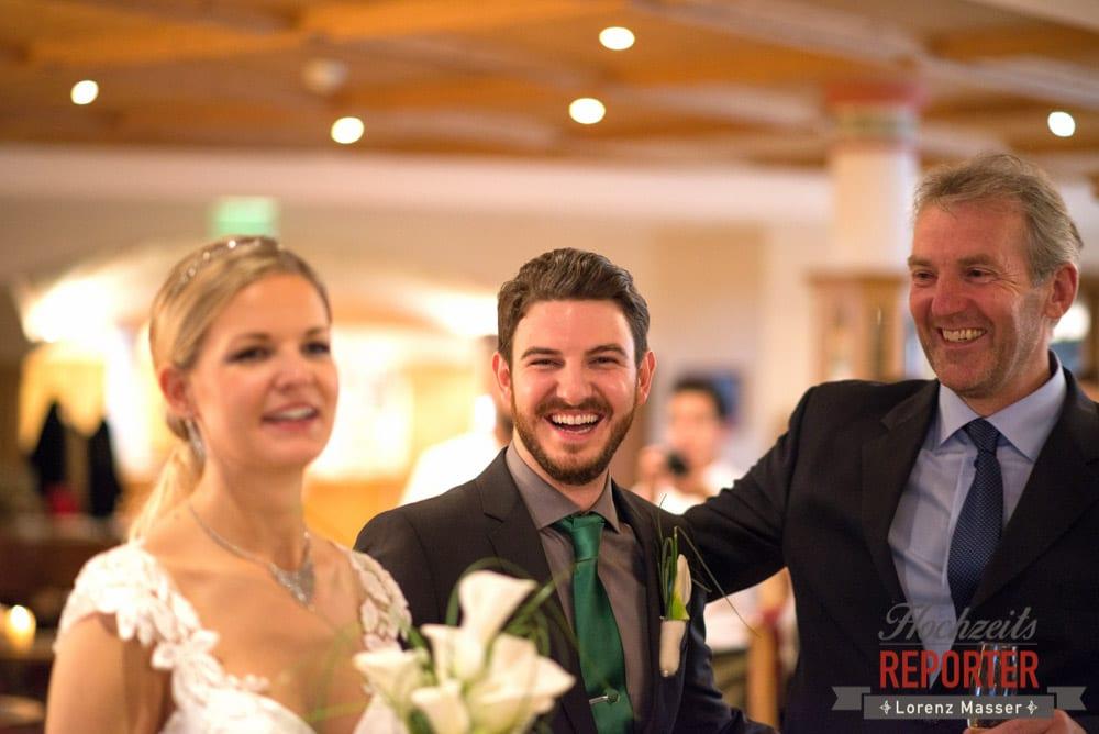 Bräutigam lacht in die Kamera, Seekarhaus, Obertauern, Wedding Photographer, Hochzeit,Hochzeitsfotograf, Land Salzburg, Lorenz Masser