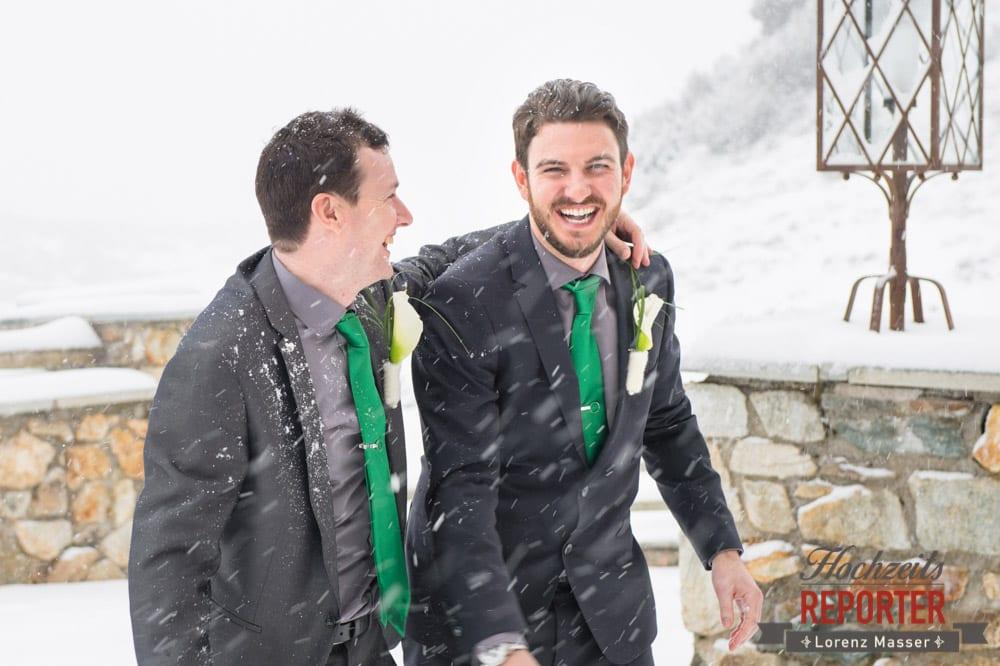 Trauzeuge und Bräutigam lachen, Seekarhaus, Obertauern, Wedding Photographer, Hochzeit,Hochzeitsfotograf, Land Salzburg, Lorenz Masser