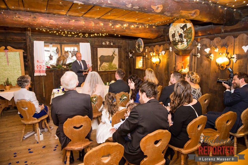 Trauung, Unterhofalm, Filzmoos, Winter Wedding, Hochzeit im Winter, Hochzeitsfotgraf, Lorenz Masser