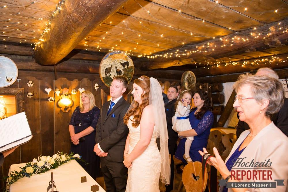 Brautpaar, Trauung, Unterhofalm, Filzmoos, Winter Wedding, Hochzeit im Winter, Hochzeitsfotgraf, Lorenz Masser