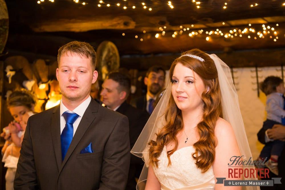 Trauung des Brautpaares, Unterhofalm, Filzmoos, Winter Wedding, Hochzeit im Winter, Hochzeitsfotgraf, Lorenz Masser