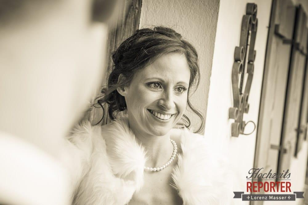 Bräutigam schaut Braut an, Portrait, Pichl, Ramsau, Hochzeitsfotograf, Wedding photographer, Land Salzburg, Lorenz Masser