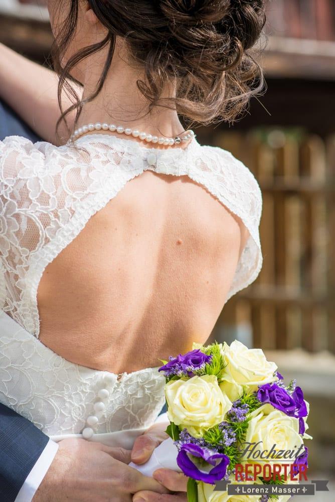 Braut von Hinten, Detail, Pichl, Ramsau, Hochzeitsfotograf, Wedding photographer, Land Salzburg, Lorenz Masser