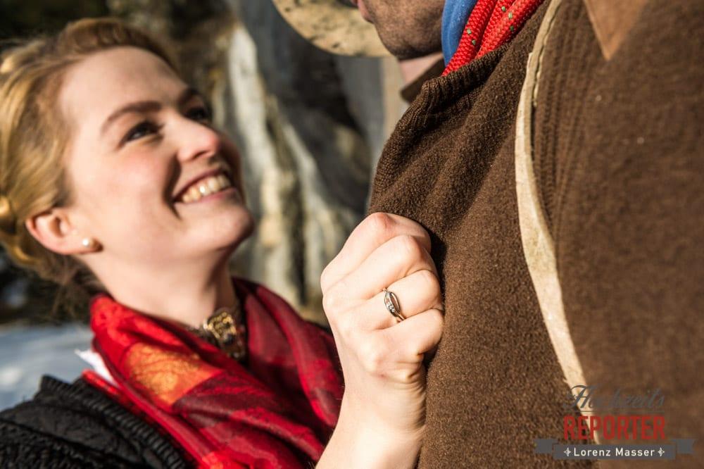Engagement Shooting, Verlobungshooting, Hochzeitsfotograf Salzburg, Hochzeitsring, Detail, Hochzeitsreporter