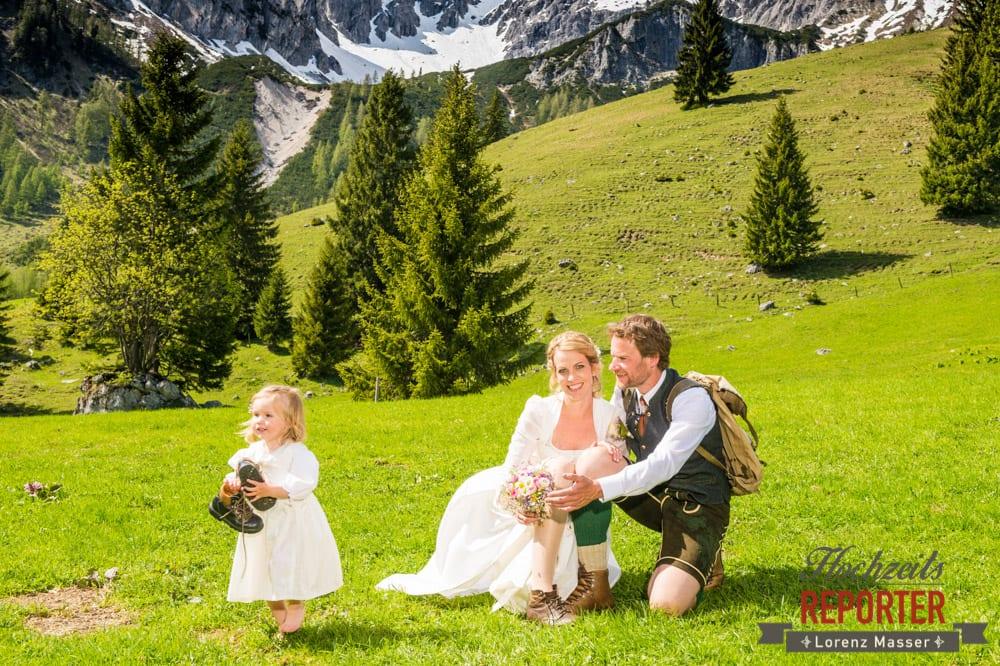 Tochter bei Hochzeit, Unterhofalm, Filzmoos, Wedding, Hochzeit, Hochzeitsfotograf, Lorenz Masser, Land Salzburg