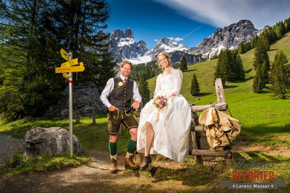 Brautpaar, Bischofsmütze, Wandern, Unterhofalm, Filzmoos, Wedding, Hochzeit, Hochzeitsfotograf, Lorenz Masser, Land Salzburg