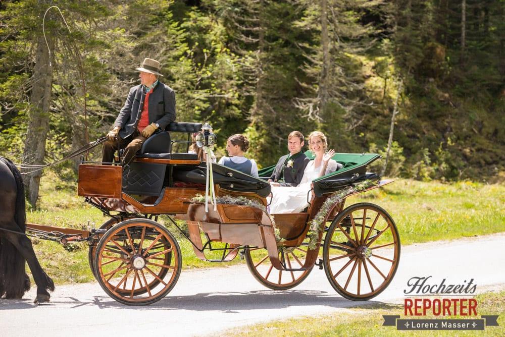 Pferdekutsche, Ankunft, Unterhofalm, Filzmoos, Wedding, Hochzeit, Hochzeitsfotograf, Lorenz Masser, Land Salzburg