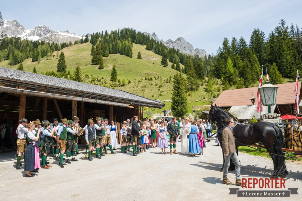 Hochzeitsgesellschaft, Unterhofalm, Filzmoos, Wedding, Hochzeit, Hochzeitsfotograf, Lorenz Masser, Land Salzburg