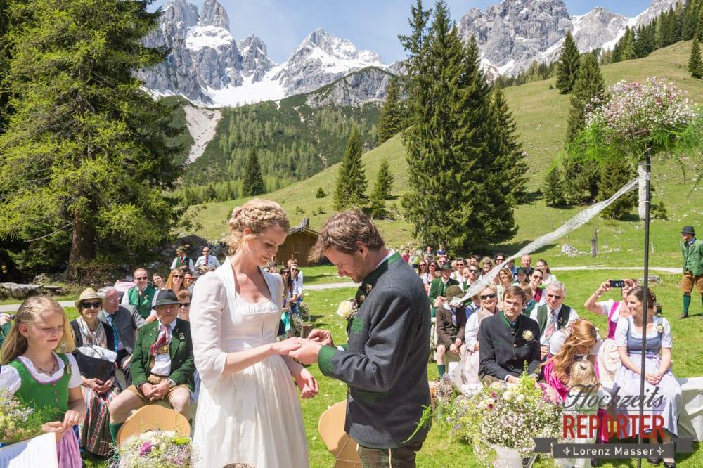Ringtausch, Unterhofalm, Filzmoos, Wedding, Hochzeit, Hochzeitsfotograf, Lorenz Masser, Land Salzburg