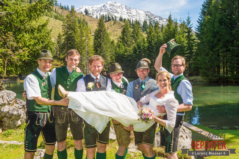 Braut aufgehoben, Unterhofalm, Filzmoos, Wedding, Hochzeit, Hochzeitsfotograf, Lorenz Masser, Land Salzburg