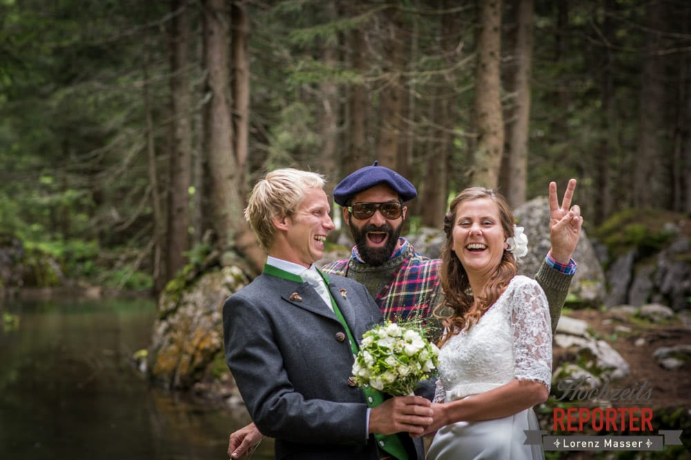 Photo bomb, Hipster, Portrait, Brautpaar, Filzmoos, Wedding, Hochzeitsfotograf, Land Salzburg, Unterhofalm, Lorenz Masser