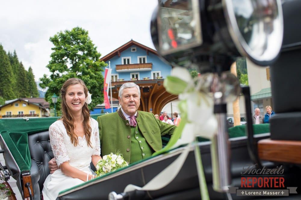Braut, Kutsche, Hochzeit, Filzmoos, Wedding, Hochzeitsfotograf, Land Salzburg, Unterhofalm, Lorenz Masser