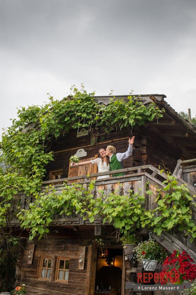 Kuss, Brautpaar, Hochzeit, Filzmoos, Wedding, Hochzeitsfotograf, Land Salzburg, Unterhofalm, Lorenz Masser