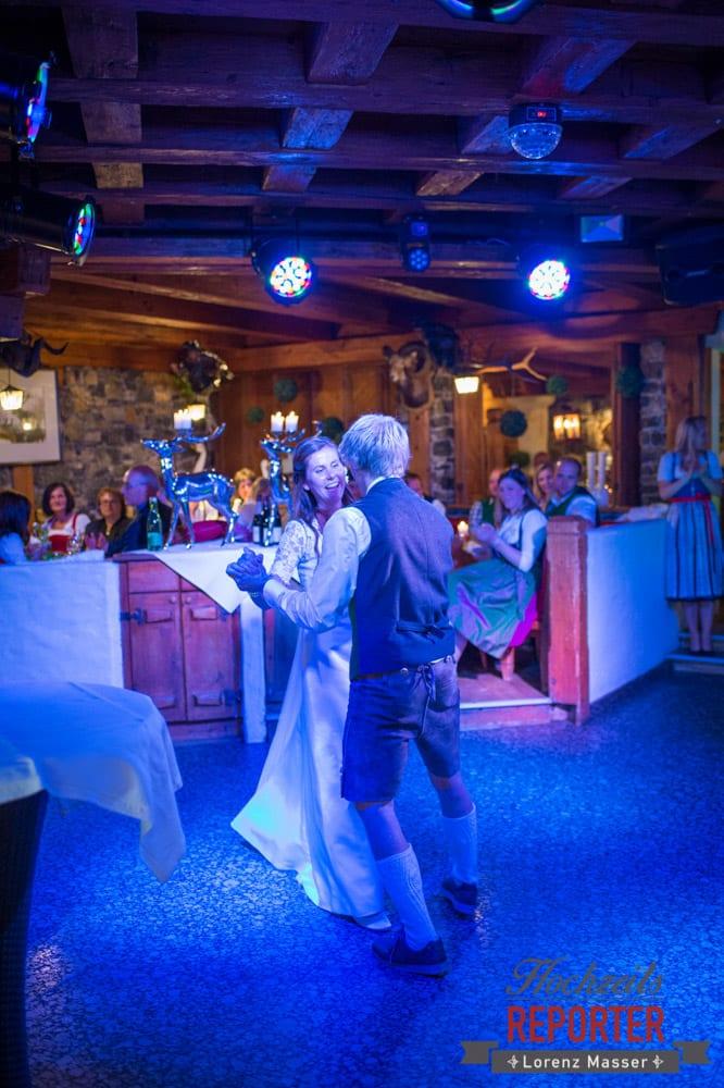 Erster Tanz, Eröffnungstanz, Hochzeit, Filzmoos, Wedding, Hochzeitsfotograf, Land Salzburg, Unterhofalm, Lorenz Masser