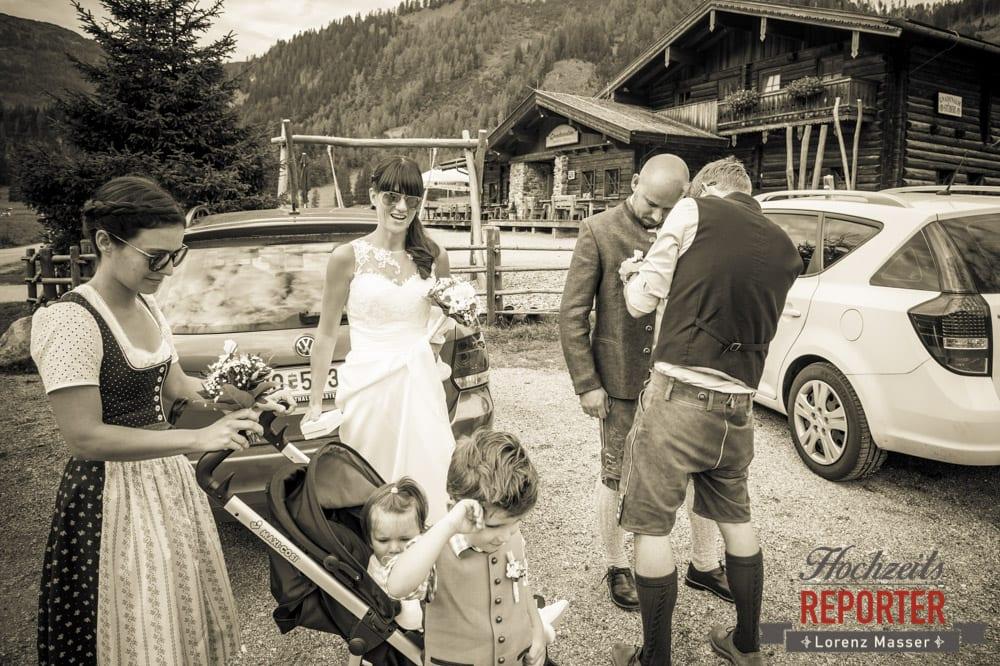 Braut mit Sonnenbrille, Hochzeit, Radstadt, Wagrein, Hochzeitsfotograf, Land Salzburg, Lorenz Masser