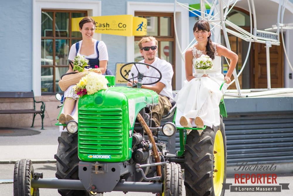 kleiner grüner Tracktor, Hochzeit, Radstadt, Wagrein, Hochzeitsfotograf, Land Salzburg, Lorenz Masser