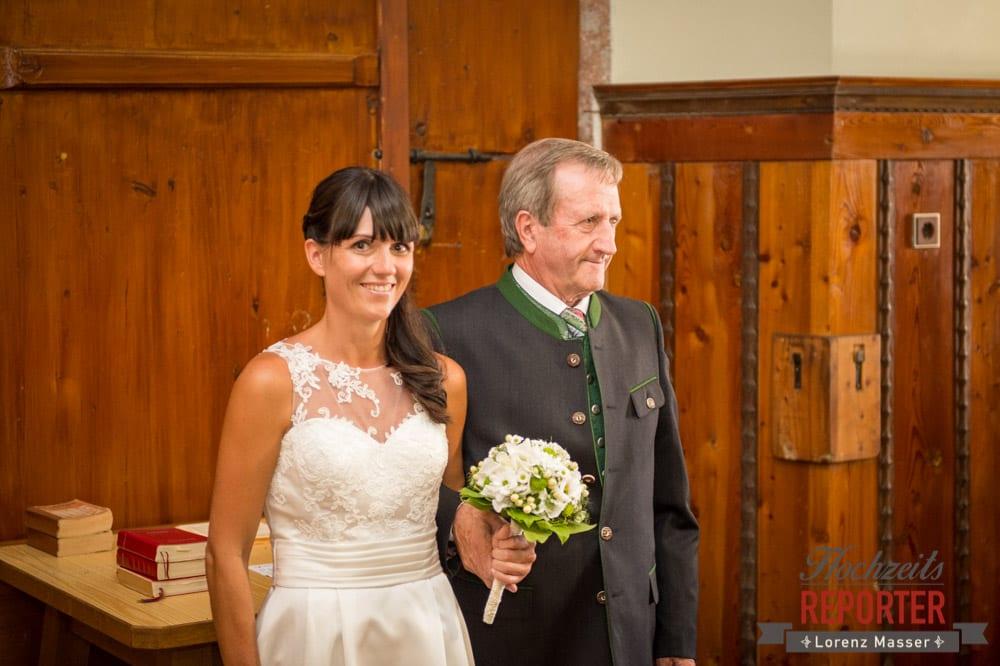 Vater mit Braut, Hochzeit, Radstadt, Hochzeitsfotograf, Land Salzburg, Lorenz Masser