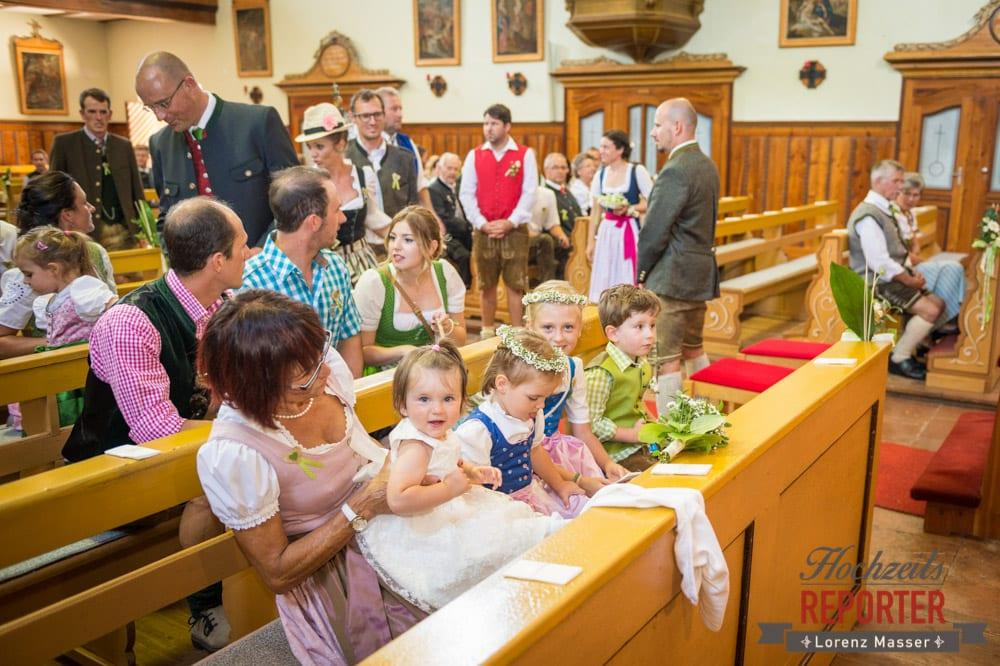Blumenmädchen und buben, Kinder bei Hochzeit, Hochzeit, Radstadt, Hochzeitsfotograf, Land Salzburg, Lorenz Masser
