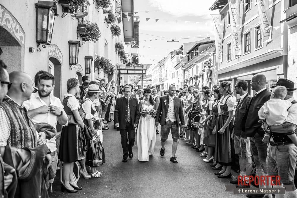 Nach der Trauung, Schwarz-Weiß, Hochzeit, Radstadt, Hochzeitsfotograf, Land Salzburg, Lorenz Masser