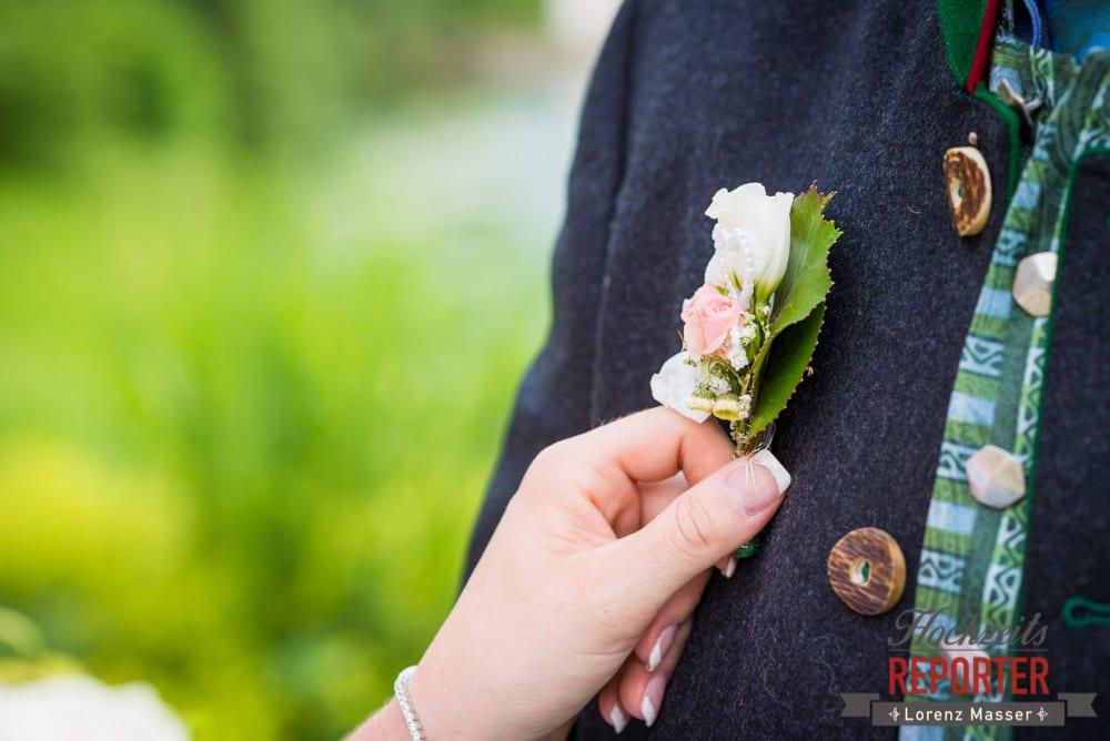 Anstecker bei Hochzeit, Standesamtliche Hochzeit, Bad Aussee, Hochzeitsfotograf, Land Salzburg, Lorenz Masser