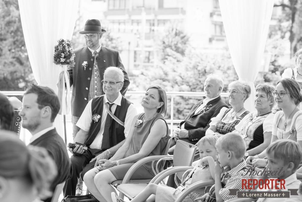 Hochzeitsgesellschaft, Standesamtliche Hochzeit, Bad Aussee, Hochzeitsfotograf, Land Salzburg, Lorenz Masser
