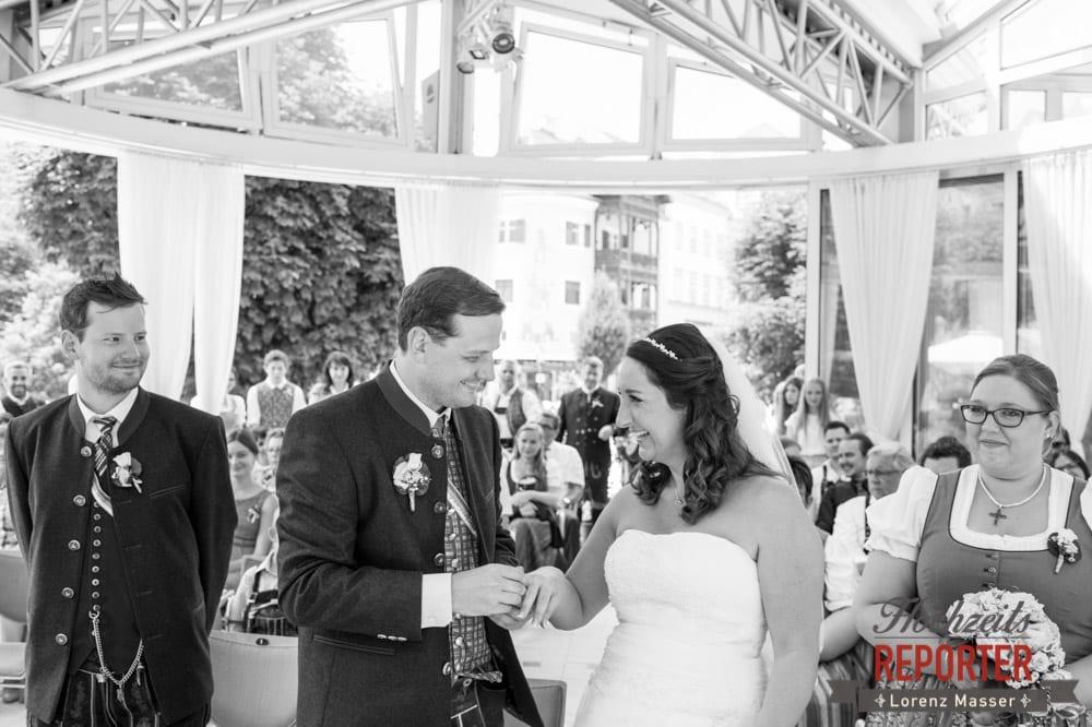 Ringtausch, Standesamtliche Hochzeit, Bad Aussee, Hochzeitsfotograf, Land Salzburg, Lorenz Masser