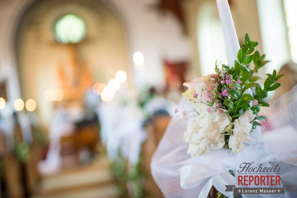 Dekoration in Kirche für Hochzeit, Trauung in Kirche, Bad Aussee, Hochzeitsfotograf, Land Salzburg, Lorenz Masser