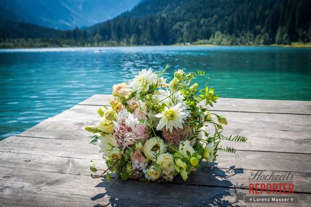 Brautstrauß am See, Hochzeit, Hochzeitsfotograf, Wagrain, Land Salzburg, Lorenz Masser