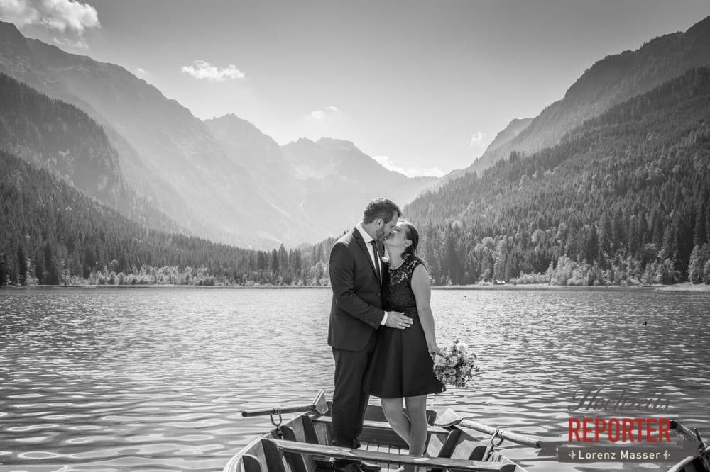 Bootsfahrt mit Brautpaar, Hochzeit, Hochzeitsfotograf, Wagrain, Land Salzburg, Lorenz Masser