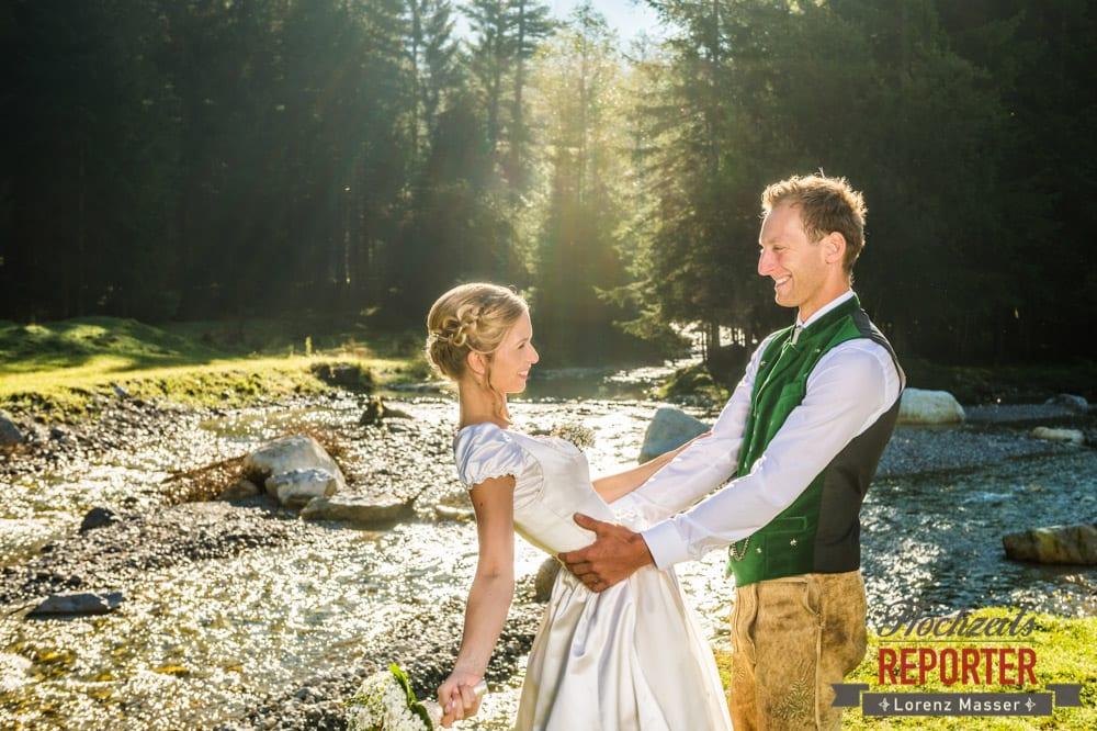 Hochzeit in den Bergen, Hochzeit in Tracht, Brautpaar, Altenmarkt, Hochzeitsfotografie, Land Salzburg