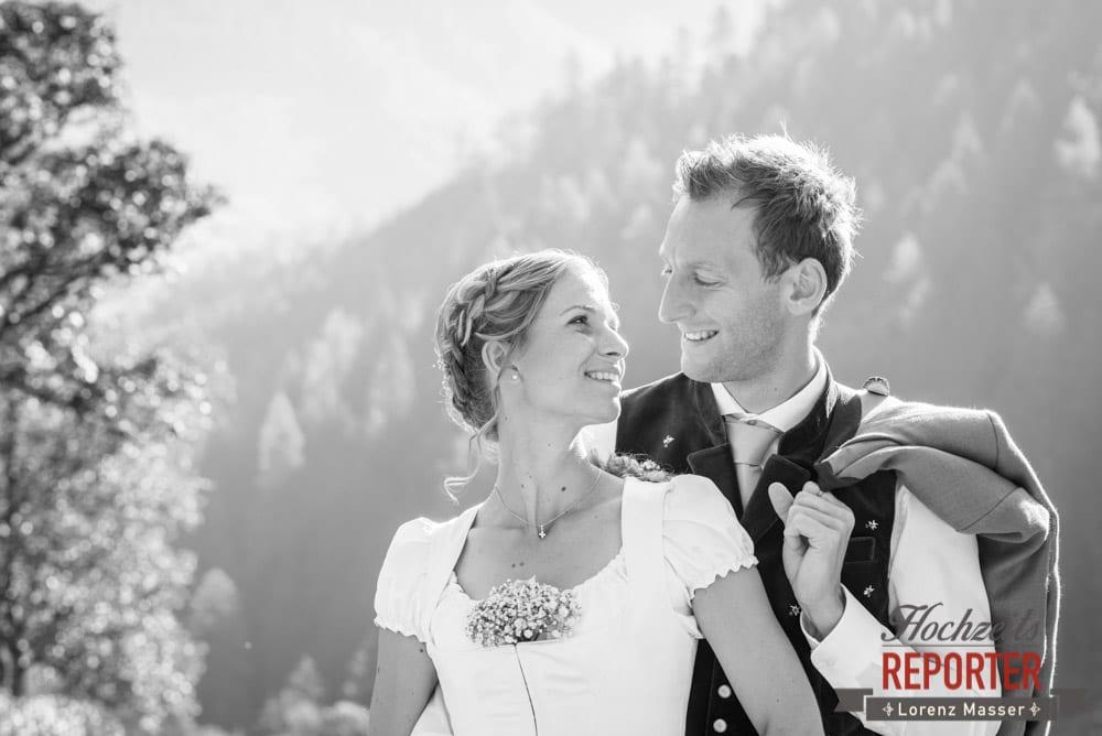 Brautpaar, Trachtenhochzeit, Hochzeit in den Bergen, Altenmarkt, Hochzeitsfotograf, Land Salzburg
