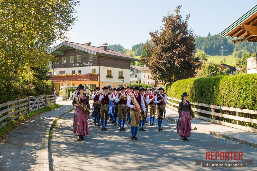 Aufmarsch bei Musikkapelle, Trachtenkapelle, Hochzeit, Hochzeitsfotograf, Altenmarkt, Land Salzburg, Lorenz Masser