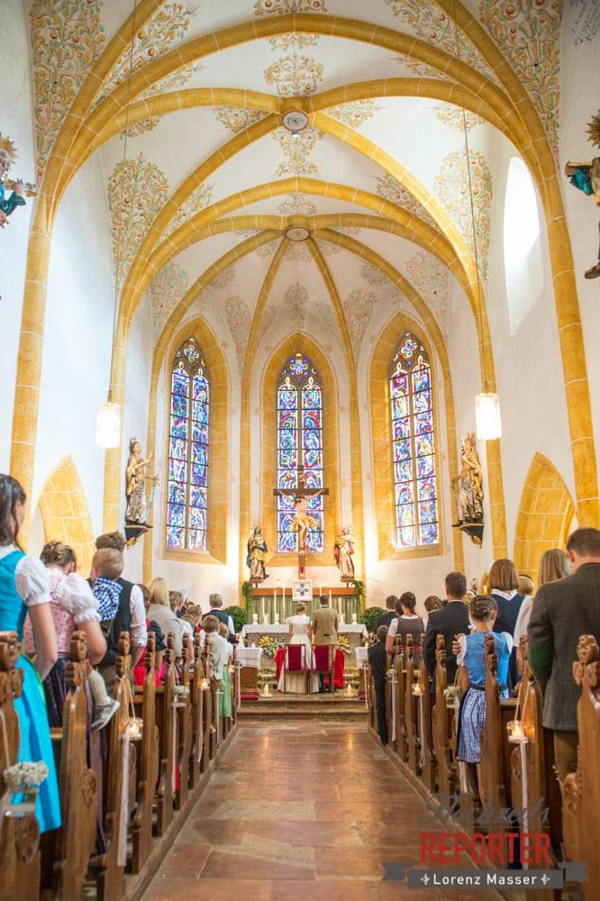 Brautpaar bei Trauung in Kirche in Altenmarkt, Hochzeit, Hochzeitsfotograf, Altenmarkt, Land Salzburg, Lorenz Masser