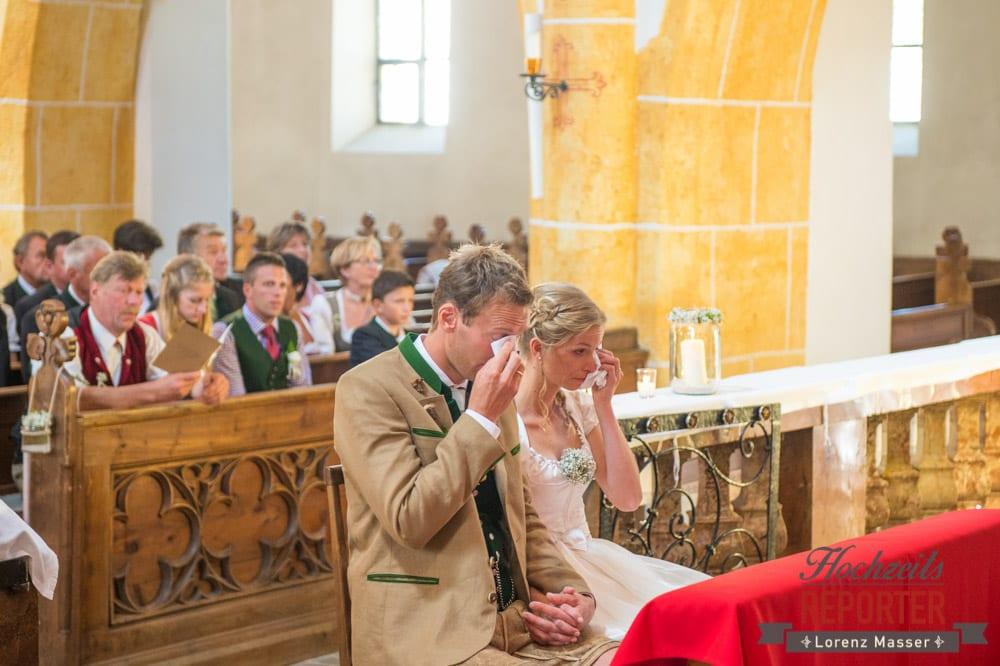Brautpaar hat Freudentränen in den Augen, Hochzeit, Hochzeitsfotograf, Altenmarkt, Land Salzburg, Lorenz Masser