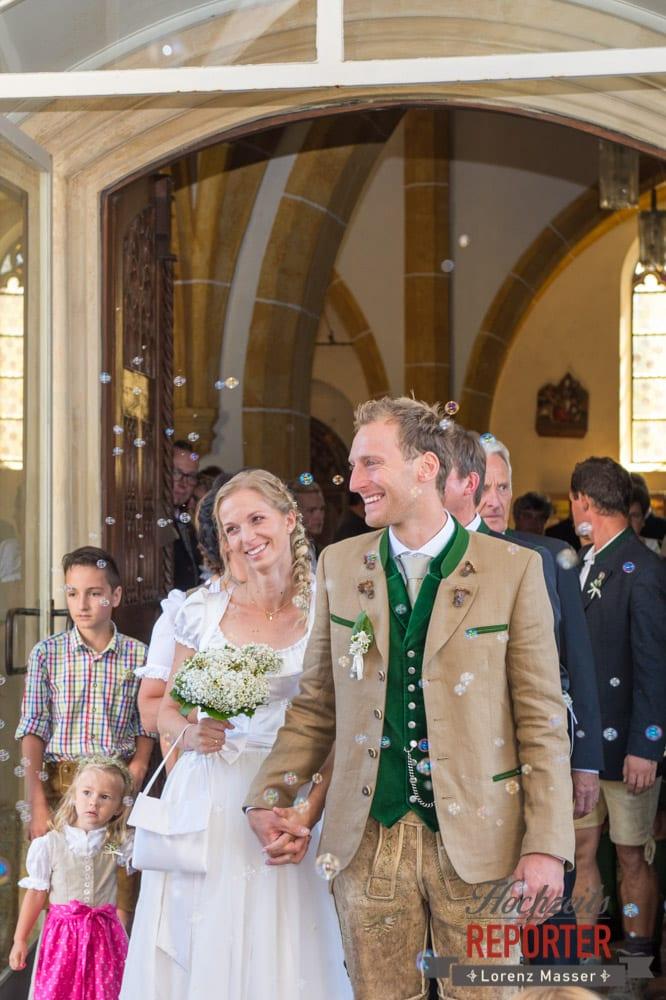 Seifenblasen, Brautpaar, Glücklich Sein, Hochzeit, Hochzeitsfotograf, Altenmarkt, Land Salzburg, Lorenz Masser