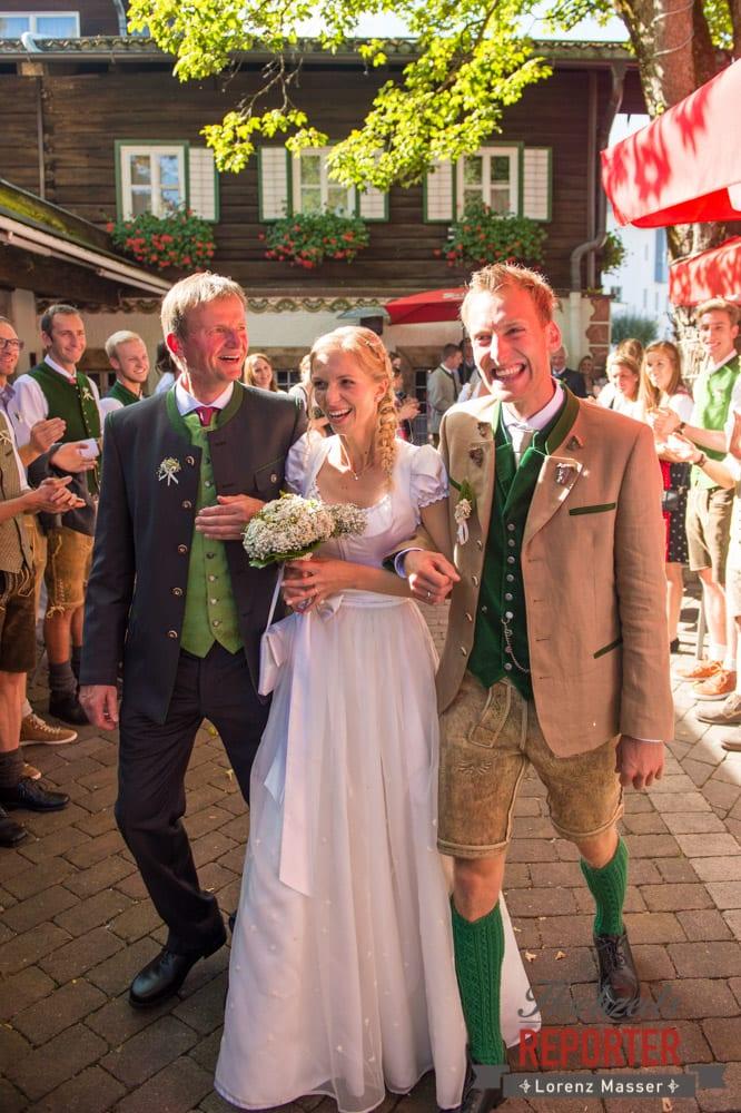 Brautpaar mit Vater, Hochzeit, Hochzeitsfotograf, Altenmarkt, Land Salzburg, Lorenz Masser
